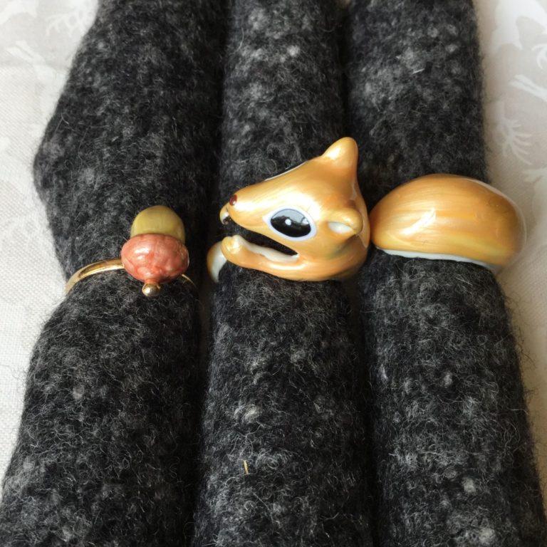 dreiteiliger ring eichhörnchen mit nuss  i maß